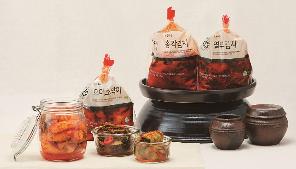 김치 전용 육수로 담가 시원한 맛! 초록마을 김치 3총사 관련 이미지